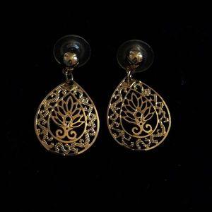 Lovely! Filigree Swirl Dangle Pierced Earrings